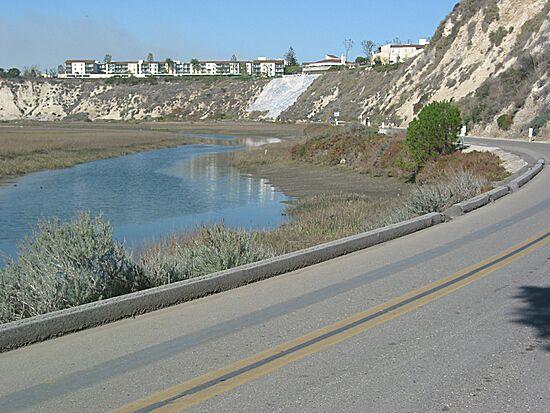 Newport Back Bay Road Loop Bike Path